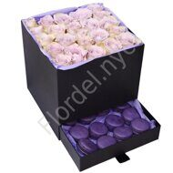 Purple rose box with macarons