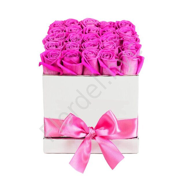 Pink preserved roses in square box