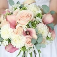 Bridal bouquet with roses and callas