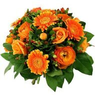 Bouquet of orange gerberas and roses
