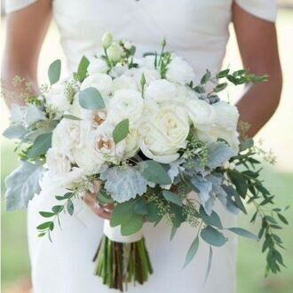 Bridal bouquet with ranunkulus