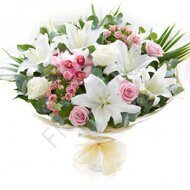Bouquet of shrub roses and lilies