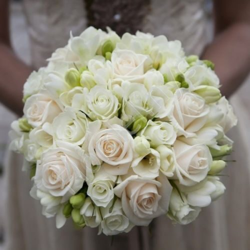 Medium package - White bridal bouquet with roses and freesia