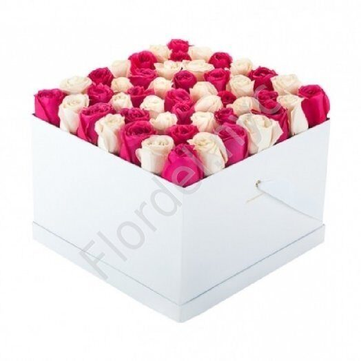 Large box of preserved roses