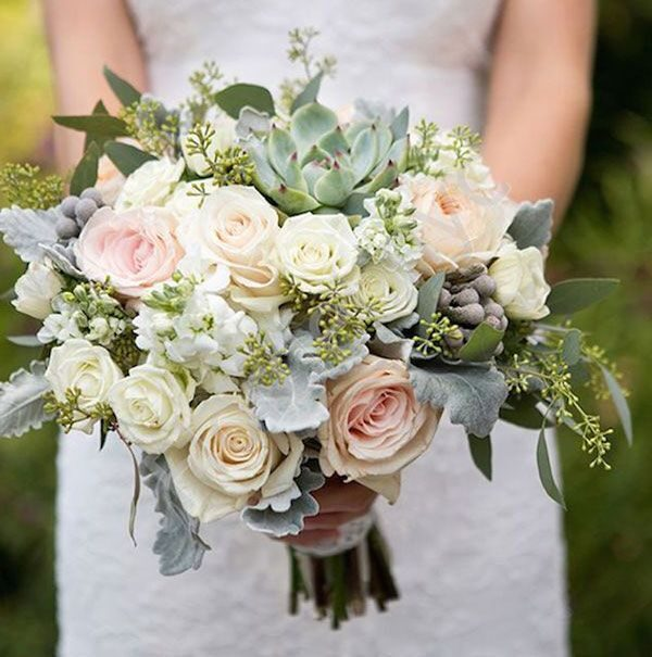 Medium package - Bridal bouquet with roses and succulents