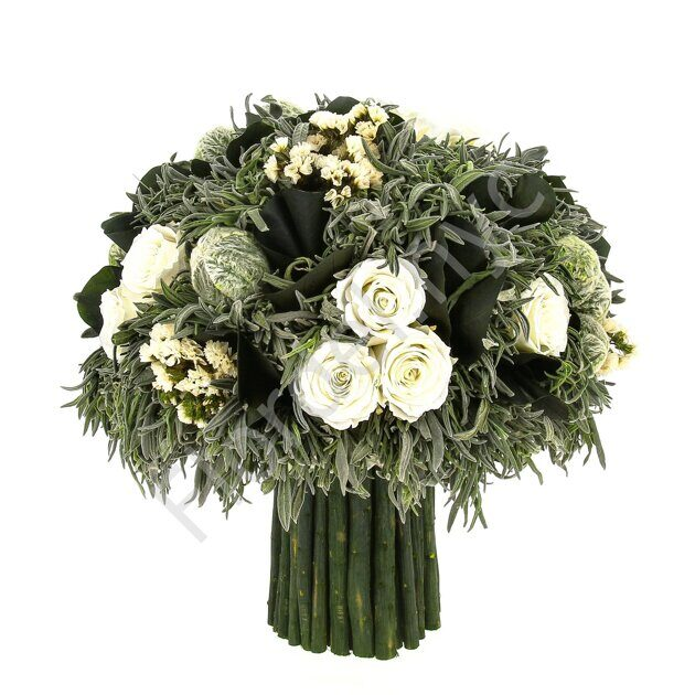 White bouquet of preserved flowers