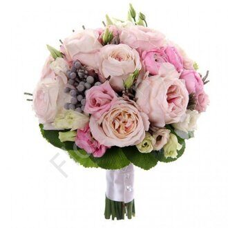 Bouquet of garden roses