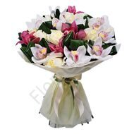 Bouquet with orchids and roses