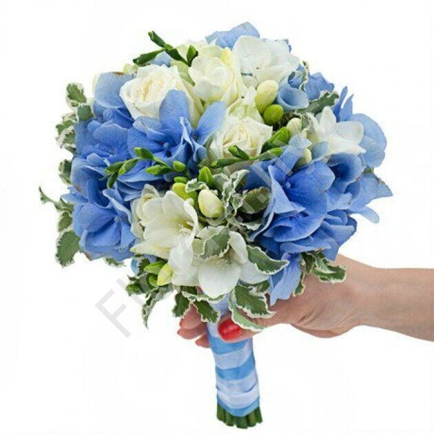 Premium package - Blue hydrangea bouquet