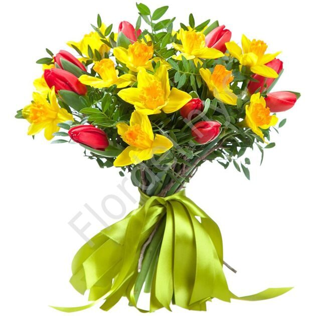 Bouquet with daffodils and tulips