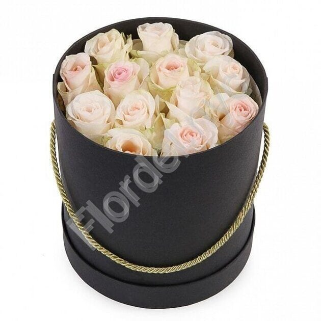 Black box with tender roses