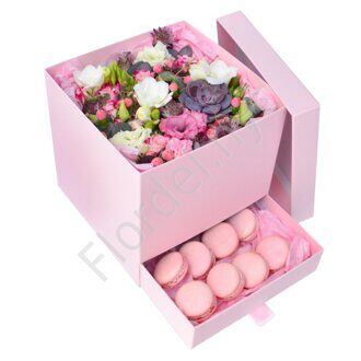 Pink box with macarons