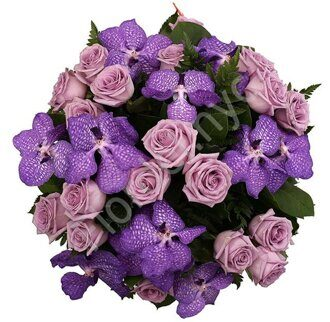 Purple rose bouquet with vanda