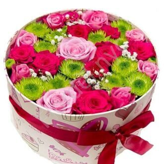 Box with roses and chrysanthemums