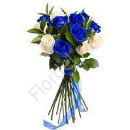 Blue and white roses bouquet